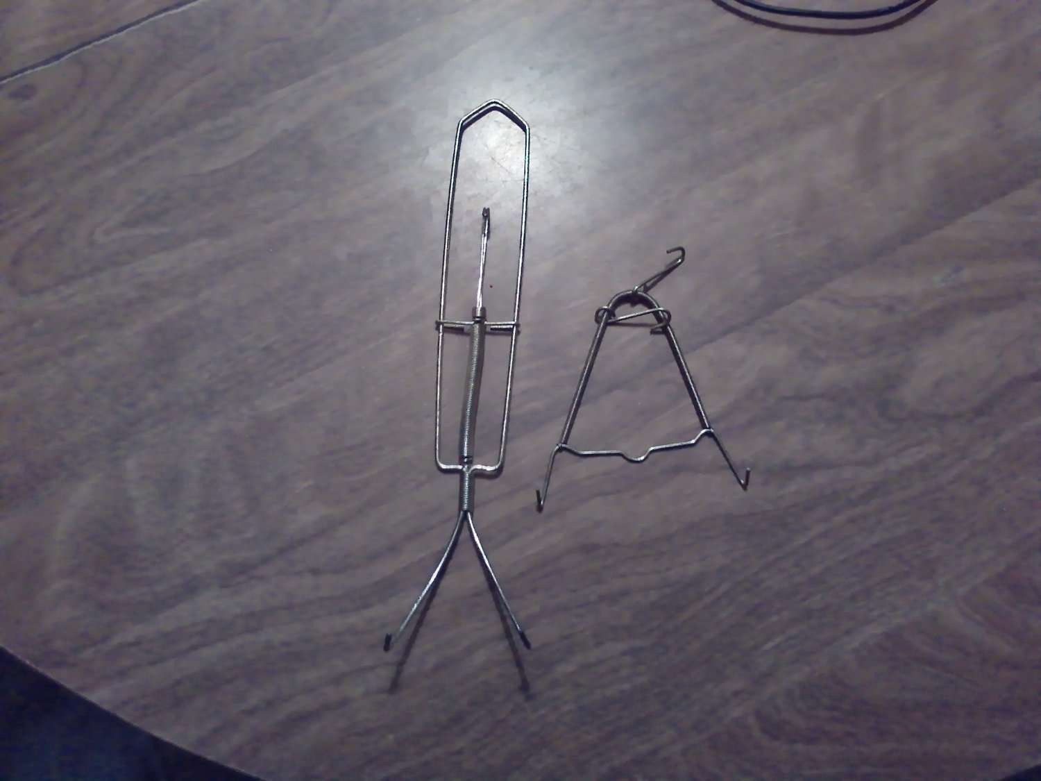 & Two Metal Plate Holders / Hangers (CMB5)