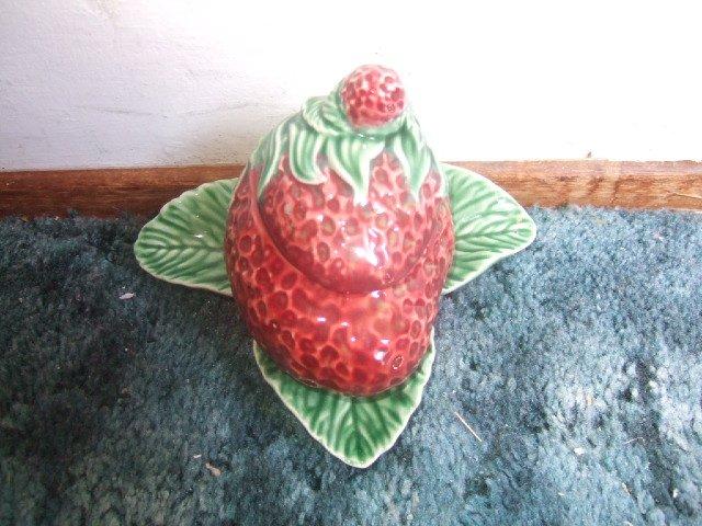Lovely Majolica 2 Piece Strawberry Jam And Jelly Server