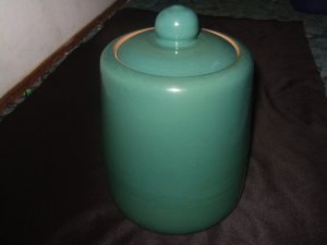 Unmarked Mid Green Crock Pot/Cookie Jar 10 Inches Tall
