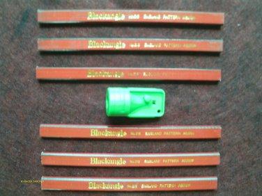 6 FLAT CARPENTER PENCILS & GREEN SHARPENER ENGLAND PATTERN MEDIUM BLACKANGLE new
