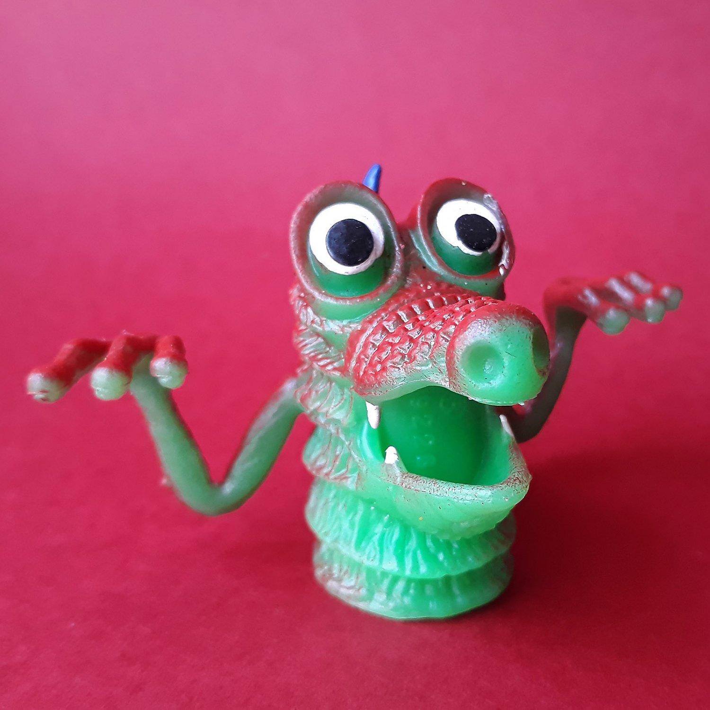 Monster finger puppet soft rubber retro Gigantor jiggler weird creature NEW! f