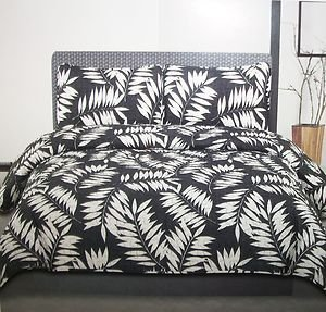 CAMEO *QUEEN* fully reversible 3 piece COVERLET SET Black/White