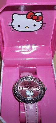 HELLO KITTY ROUND PINK WITH CRYSTAL  AND PINK LEATHER BAND NIB
