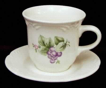 Retired PFALTZGRAFF GRAPEVINE CUPS & SAUCERS ~ Set of 4 ~ Dishes Dinnerware Discontinued