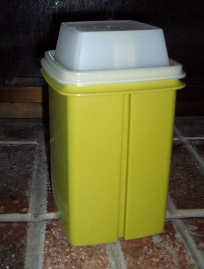 Vintage Tupperware Pickle Keeper Avocado Green Clear Lid