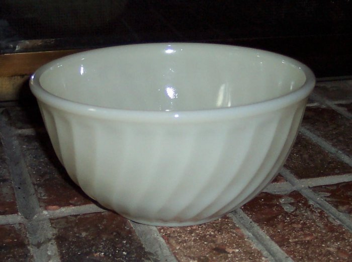 Anchor Hocking FireKing Fire King Ivory Swirl 8 Inch Mixing Bowl #3 Replacement