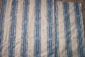 1 Pair of Blue Striped Abstract Print Vintage Pillowcases Pillow Case Linens locationw8