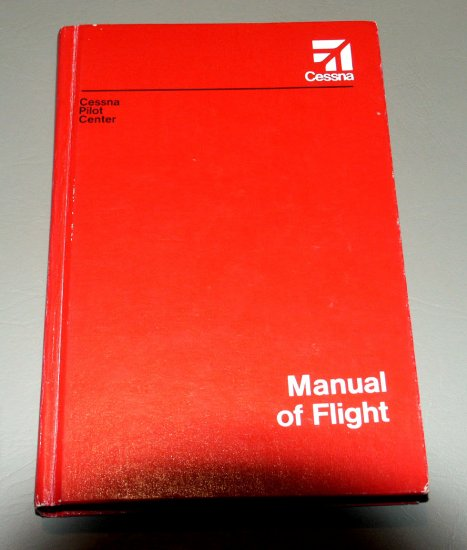 Professional Manual of Flight Cessna Pilot Center (Hardcover)