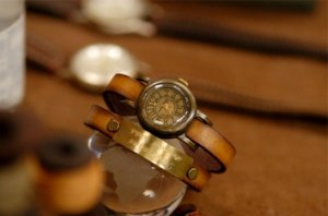 "vintage fashion wrist watch  ""TEFNUT NAMEPLATE"""