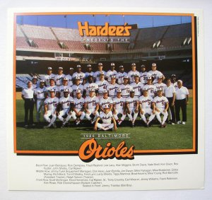 1986 Hardee's BALTIMORE ORIOLES Team Picture/ Cal Ripkin, Jr., Fred Lynn/ MLB