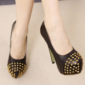 Black Pumps with Front Gold Studs