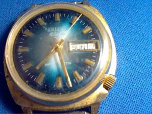 VINTAGE REMINGTON ELECTRA BLUE DIAL DAY DATE WATCH RUNS