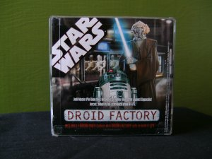 COLLECTIBLE DROID FACTORY ACTION FIGURE