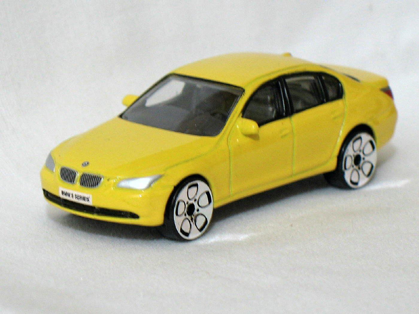 BMW 5 Series Yellow 1/61 Die Cast Model Car (Rare)