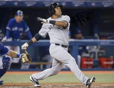 YANGERVIS SOLARTE SIGNED PHOTO 8X10 RP AUTOGRAPHED  AUTO NEW YORK YANKEES