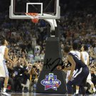 KRIS JENKINS SIGNED PHOTO 8X10 RP AUTOGRAPHED VILLANOVA CHAMPS  BUZZER BEATER !!