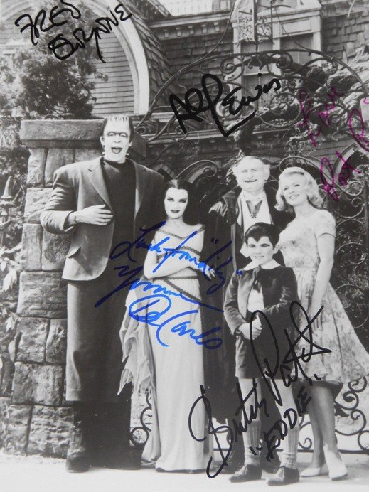 MUNSTERS FULL CAST SIGNED PHOTO 8X10 RP AUTOGRAPHED ALL MEMBERS