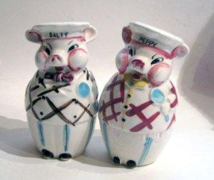 Salty & Peppy Plaid Pigs Salt & Pepper Shakers