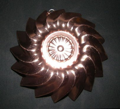 Vintage Decorative Copper Color Pink Aluminum Jello or Cake Mold Sharp Fluted