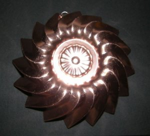 Vintage Decorative Copper Color Pink Aluminum Jello or Cake Mold Sharp Fluted