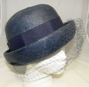 Vintage 1940's Ladies Womans Navy Blue Straw Derby Hat with Veil Net