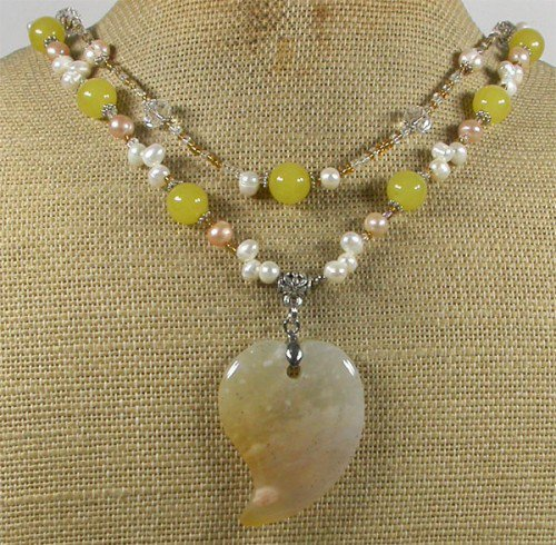 YELLOW JADE & CRYSTAL & FW PEARLS 2ROW NECKLACE