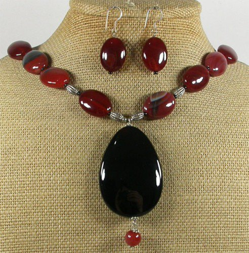 GENUINE RED BLACK AGATE NECKLACE/EARRINGS SET