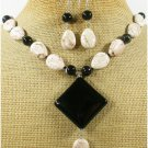 BLACK AGATE & WHITE TURQUOISE NECKLACE/EARRINGS SET