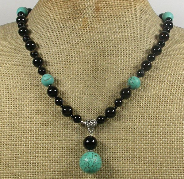 Handmade TURQUOISE & BLACK AGATE NECKLACE