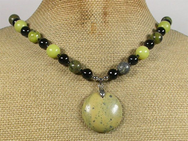 Handmade YELLOW TURQUOISE OLIVE JADE BLACK AGATE NECKLACE