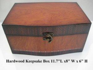 Beautiful Keepsake Box w/Artworks on top. Ten Oil Paintings to choose