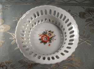 Lovely vintage made in Japan porcelain Lattice work hand painted display bowl