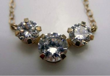 Beautiful Elegant Womens 14k Yellow .Gold & CZ Necklace - 1.52g