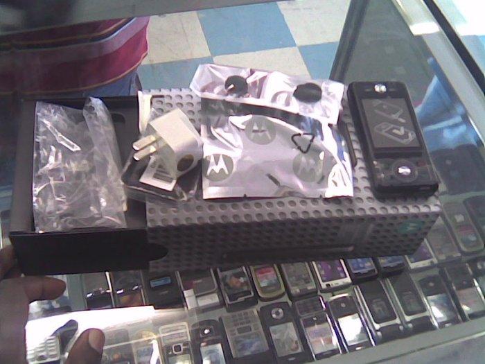 Motorola E6, Camera, Speaker, Video Camera, Bluetooth, Touch Screen, MP3,--BRAND NEW IN THE BOX