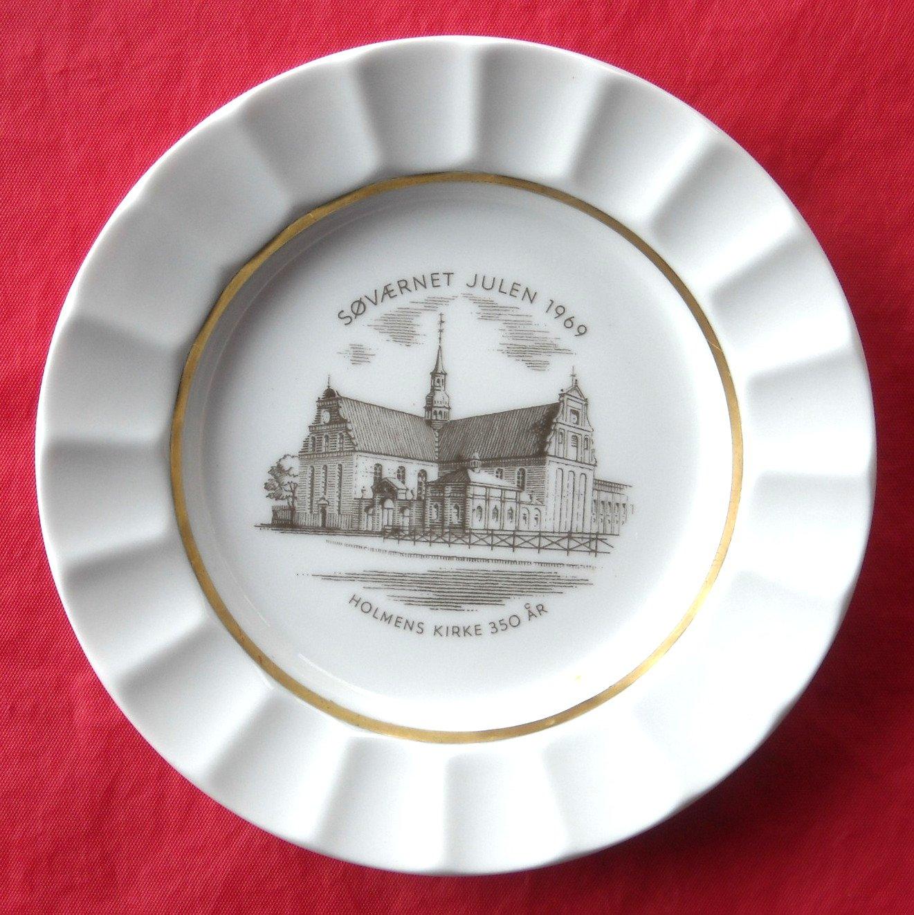 Royal Copenhagen Navy Julen 1969 Christmas Plate Dish