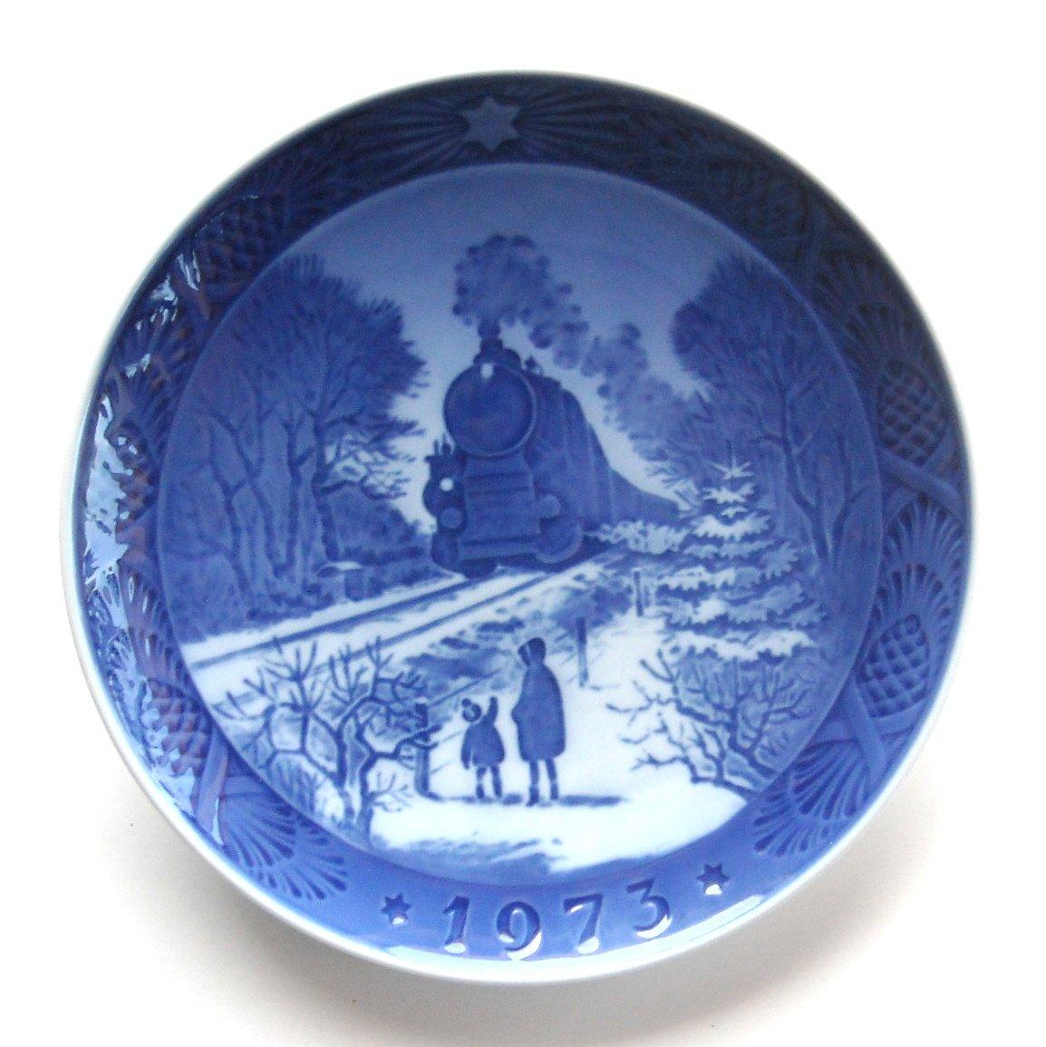 Royal Copenhagen 1973 Christmas Plate
