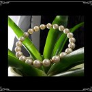 Lovely vintage Pearl and gold bead bracelet