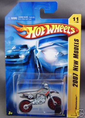 2007 Hotwheels #11/36 Wastelander Red Wheels