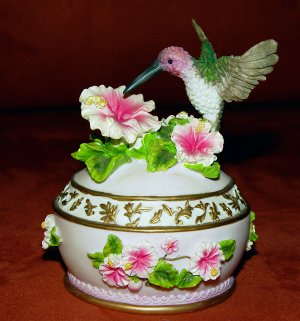 MUSICAL BIRD TRINKET JEWELRY BOX - Heritage House