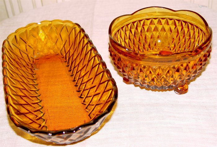 AMBER GLASS RELISH DISHES - Lot 4 pcs.