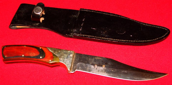 HUNTING KNIFE - HEAVY DUTY - with LEATHER SHEATH