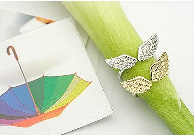 Sweet angel wing ring (gold - small - pinky finger.ring)