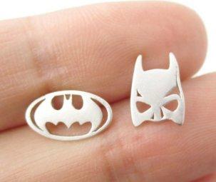 Batman mismatch earrings (silver colour)