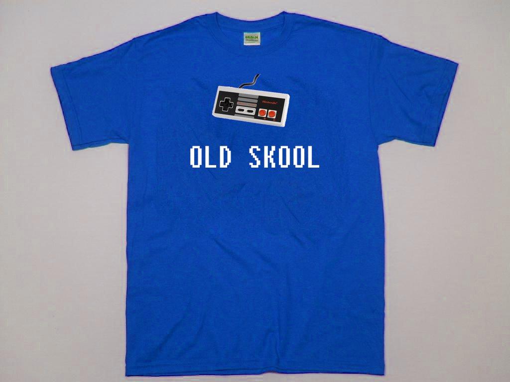 Old Skool nintendo controller.  Origional game system retro shirt.  Size M