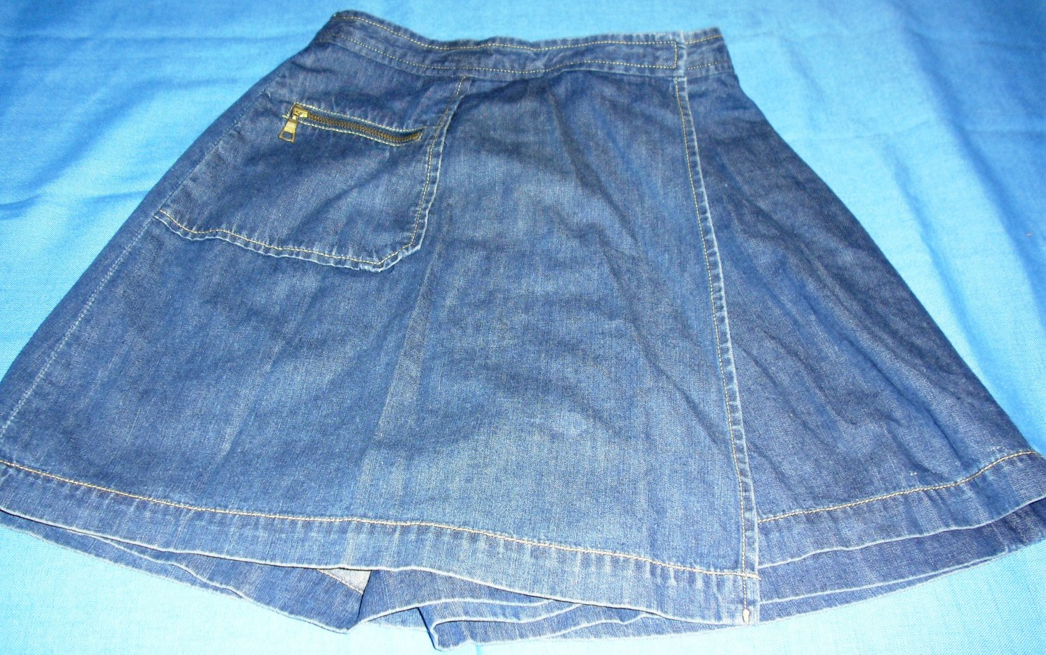 CUTE Womens Banana Republic Cotton Denim Blue Skort Skirt Cute Size 0 EUC