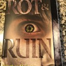 Rot & Ruin Paperback – May 3, 2011 by Jonathan Maberry  (Author)