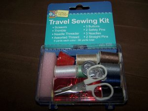 Travel Sewing Kit Thread Needles Thimble Buttons NEW
