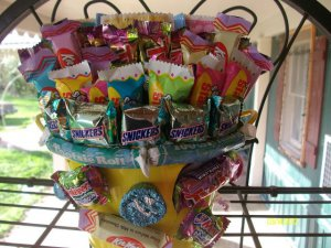Mini Easter Tin filled with Candy