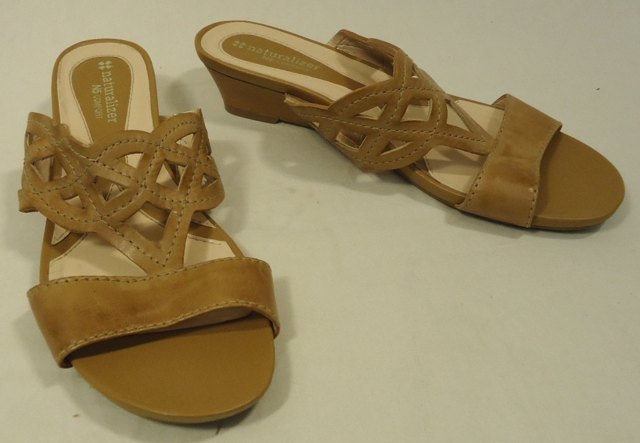 Naturalizer Slide Sandles Leather Female Adult 8 1/2 W Tan Solid/Stiching 012-13nn