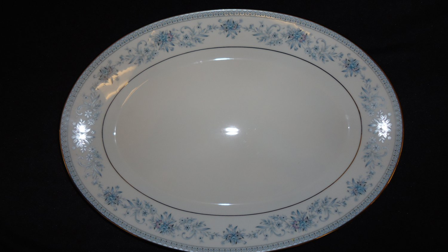 Noritake 14in Platter Contemporary Medium Oval 2482 Blue Hill Vintage China
